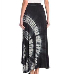 🎄NWT! Go Couture tie dye high/low maxi skirt